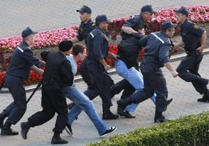 В Беларуси новый закон оценивает флешмоб как пикетирование, а молчание как действие