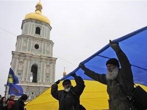 Опрос: 73,7% украинцев считают, что каждый гражданин страны должен знать украинский
