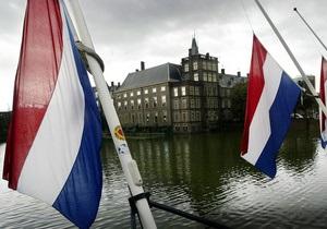 Премьер-министр Нидерландов перепутал свой флаг с российским