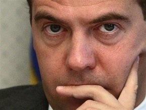 Медведев признает, что отношения Украины и России деградировали