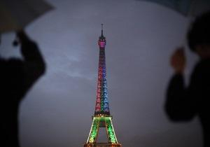 Эйфелеву башню закрыли для посещения туристами