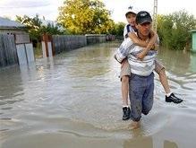 Кабмин открыл счет для перечисления помощи пострадавшим от стихии