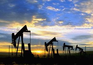 Нефть дешевеет третий день подряд благодаря действиям Саудовской Аравии