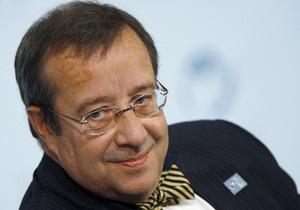 Президент Эстонии решил приехать 9 мая в Москву после личного приглашения Медведева