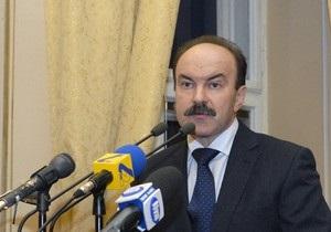 Львовский губернатор отказался вывешивать красные флаги