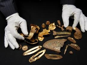 Безработный британец нашел при помощи металлоискателя коллекцию золота весом 5 кг