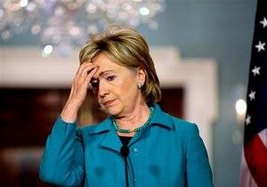 Клинтон заявила, что США проигрывают информационную войну