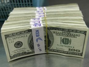 Доллар на межбанке стабилизируется на уровне восьми гривен