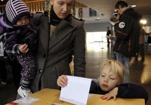 На выборах в Латвии побеждают правые
