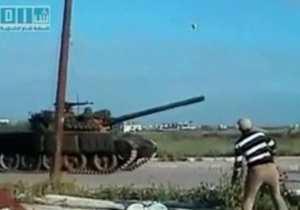 Сирийская армия ввела в мятежные города танки и бронетехнику