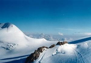 Жертвами схода двух лавин в итальянских Альпах стали семь человек