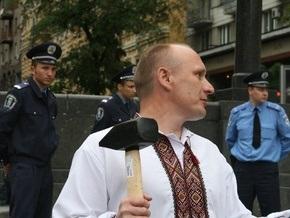 Новинар: Националист, осквернивший памятник Ленину, заявил, что в милиции его сравнивали со свиньей и называли несчастным хохлом