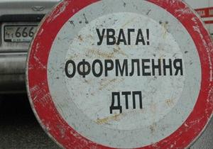 В Киеве автомобиль Seat Cordoba врезался в подземный переход