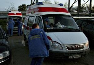 В Москве автомобиль протаранил остановку с людьми