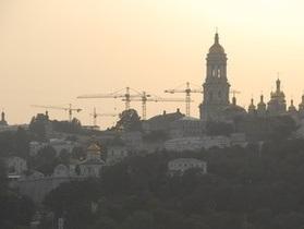 Гриценко просит Януковича запретить строительство в историческом центре столицы