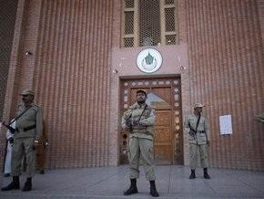 В Пакистане из-за терактов закрыли все учебные заведения