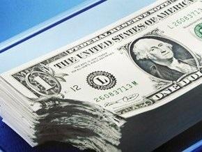 Доллар продолжает снижаться на межбанке