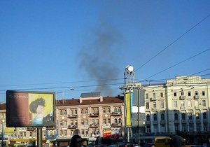 В Киеве горит мансарда жилого дома недалеко от НСК Олимпийский