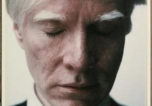 Автопортрет Энди Уорхола на торгах Christie s продали за 17,3 млн долларов