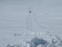 В России девушки угнали милицейский снегоход