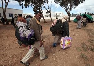 ООН: Ливию покинули около 100 тысяч беженцев