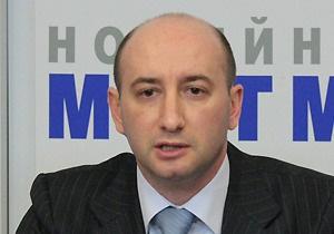 Чиновник, попавший в немилость к Азарову, рассказал о покупке автомобиля Lexus