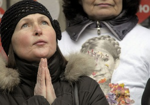 Адвокат: Тимошенко нужна операция