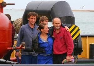 Крушение судна Василий: спасенные моряки доставлены в порт Керчи