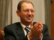 Яценюк взял под опеку двух сирот