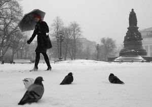 Из-за снегопадов Москву парализовали девятибалльные пробки