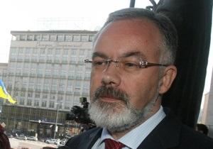 Табачник назвал  политическими инсинуациями  разговоры о закрытии украинских школ