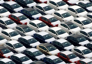 С сегодняшнего дня украинские власти ввели спецпошлину на импорт авто - дилеры