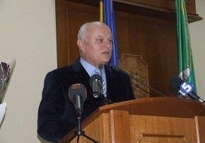Уволенный горсоветом мэр Черновцов просит суд восстановить его в должности