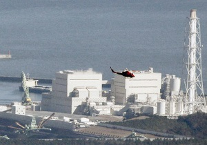 Японский чиновник выпил стакан очищенной от радиации воды из лужи на Фукусиме-1