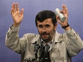 Ахмадинеджад обвинил оппонентов в применении гитлеровских методов