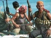 Сомалийские пираты могут расстрелять украинцев: выкуп потерялся в банке