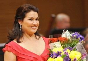 Азарова освистали на концерте Нетребко