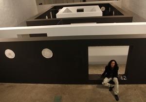 Одну из киевских галерей превратили в лабиринт