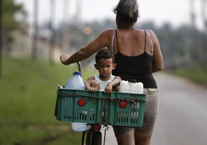 новости кубы - экономика кубы - Кубинцам после десятилетия запрета позволили приобретать импортную быттехнику - кастро
