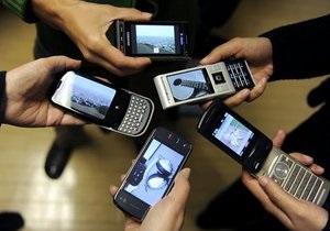 Опрос: 70% россиян боятся излучения мобильных телефонов