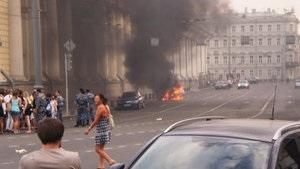 В Москве из-за жары полностью сгорел автомобиль