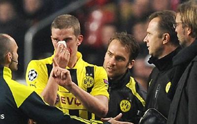 Игрок Боруссии отыграл матч против Наполи со сломанным носом