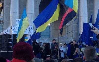 Неизвестные сожгли автобус, обеспечивавший Евромайдан - депутат