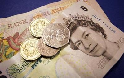 Курс валют: британская валюта задирает нос