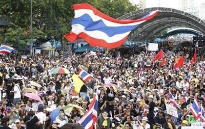 В Таиланде протестующие прорвались в комплекс минобороны