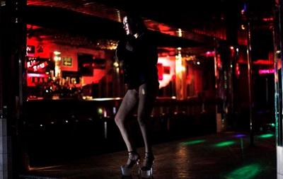 Во Франции обсуждают, штрафовать ли клиентов проституток