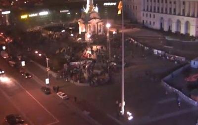 Оппозиционеры на Евромайдане сворачивают аппаратуру и разбирают сцену - активисты