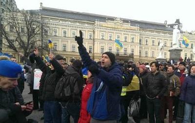 Начальник киевской милиции пообещал не стягивать Беркут на Михайловскую площадь