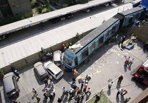 В Чили поезд врезался в жилой дом