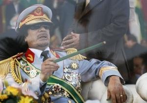 СМИ: Каддафи платит наемникам из Европы по несколько тысяч долларов в день